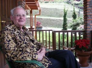 Tiny Muskens in zijn geliefde Indonesië, zomer 2003.