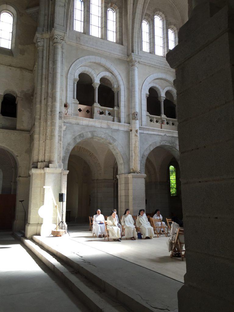 Kerk in restauratie in Prouille, waar het eerste vrouwenklooster van de Orde werd gesticht.